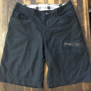 Mens Lululemon shorts sz 34-36 read description